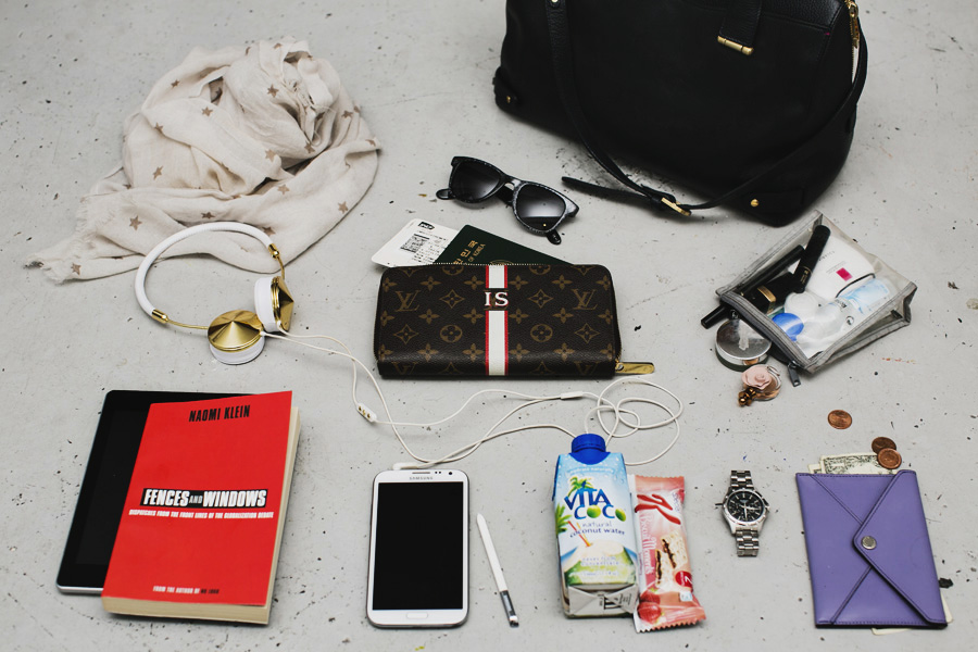 Park-and-Cube_Whats-in-my-Travel-Bag_02