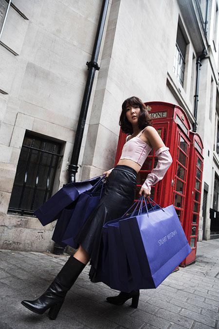 parkncube_stuart-weitzman-london_002
